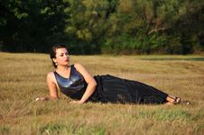 Free Woman Lying In Grass Royalty Free Stock Images - 33110789