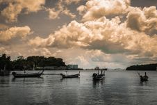 Many Fishing Boat On The Sea Royalty Free Stock Images