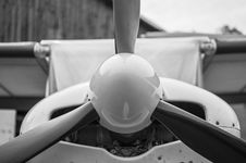 Free Front Part Of Small Light Aircraft Stock Images - 33144704