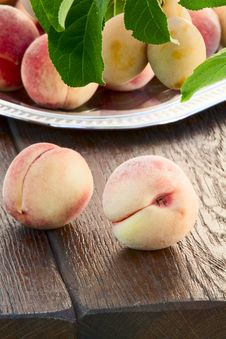 Free Peaches And Yellow Plums Stock Photo - 33146320