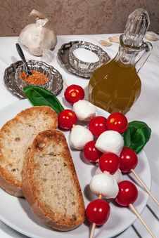 Free Italian Bruschetta Royalty Free Stock Photo - 33150365