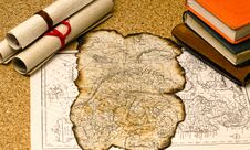 Free Old Map With Burnt Edges Royalty Free Stock Images - 33151629