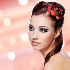 Free Beautiful Woman With Creative Hairstyle Royalty Free Stock Photography - 33153007