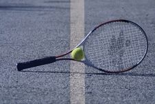 Free Tennis Racket And Ball Royalty Free Stock Image - 33158256