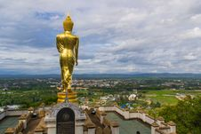 Free Golden Buddha Statue Royalty Free Stock Images - 33162589