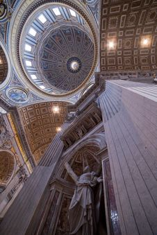 Free S. Pietro Basilica Ceiling - Stock Image Royalty Free Stock Photo - 33163055
