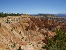 Free Beautiful Day In Bryce Canyon Stock Photos - 33168133