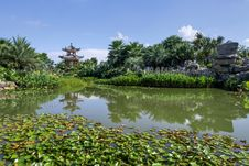 Free Summer Classical Chinese Garden Stock Photos - 33169083