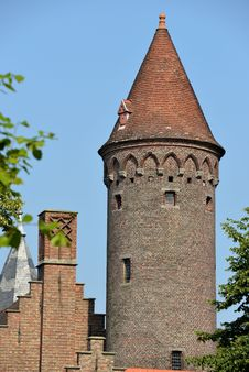 Free Round Tower Royalty Free Stock Photography - 33170347