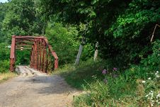 Free Rusty Abandoned Bridge Royalty Free Stock Photography - 33171077