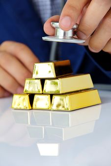 Free Concept Image Of Gold Bars Royalty Free Stock Photo - 33182125