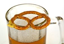 Free Pretzel And Beer Royalty Free Stock Image - 33196766