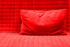 Free Red Pillow Royalty Free Stock Photo - 33197905