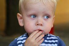 Free Eating Child Royalty Free Stock Photo - 33198955