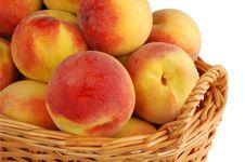Free Basket Full Of Fresh Peaches Royalty Free Stock Photo - 3320375