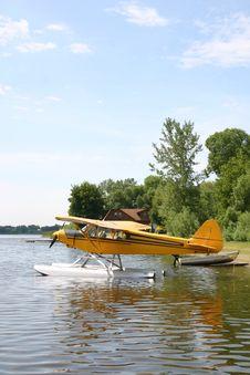 Free Floatplane Stock Image - 3321201