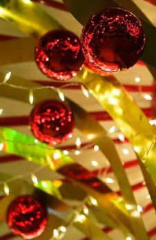 Free Christmas Baubles And Ribbons Royalty Free Stock Photos - 3324098