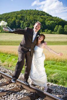 Free Happy Bridal Couple Stock Photography - 3324672