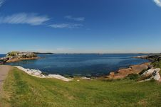 Free Blue Sky Clear Day At The Bay Stock Photo - 3325030