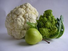 Free Cauliflower And Pears Royalty Free Stock Image - 3326966
