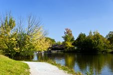 Free Landscape On The Lake-autumnal Stock Images - 3328124