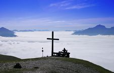 Free Hikers On Summit Above Clouds Royalty Free Stock Photography - 3328817