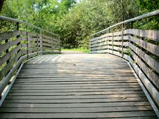 Free Bridge Pond Stock Photography - 3328832
