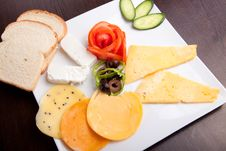 Free Cheese Plate Stock Photos - 33238603