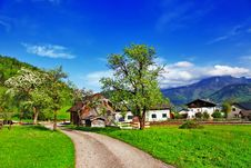Free Alpine Countryside Stock Photography - 33244362