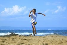 Free Boy Running Along Beach Stock Photos - 33245083