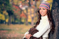 Free Fashionable Woman In Autumn Park Royalty Free Stock Photography - 33256787