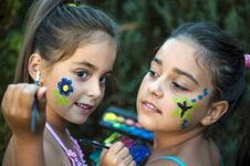 Free Playful Young Girls Painted Face Royalty Free Stock Photo - 33256995