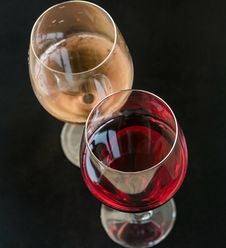 Free Red And White Wine Royalty Free Stock Images - 33268119
