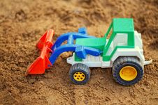 Free Toy Tractor Stock Images - 33269684
