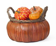 Free Pumpkins In Straw Basket Royalty Free Stock Photo - 33272165