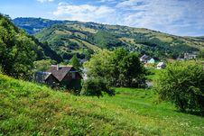 Free Village On A Mountain  Slopes Royalty Free Stock Image - 33291026