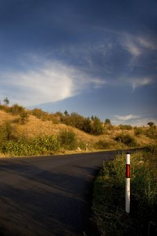 Free Road And Blue Sky Royalty Free Stock Image - 3330476
