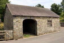 Free Ancient Stone Barn Royalty Free Stock Photos - 3334578