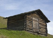 Free Wooden Barn - Holzhütte Royalty Free Stock Photo - 3335145
