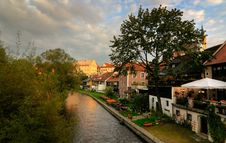 Free Vltava River At Cesky Krumlov Royalty Free Stock Photos - 3338238