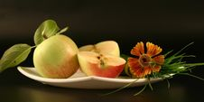 Plate With Apples Royalty Free Stock Photos