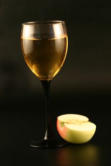 Free Glass  Wine And An Apple Stock Images - 3339584