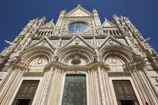 Free Facade Of The Cathedral In Siena Royalty Free Stock Images - 33302459