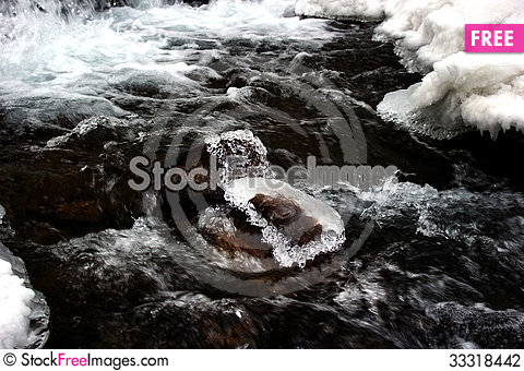 Free Mountain River Stock Photography - 33318442