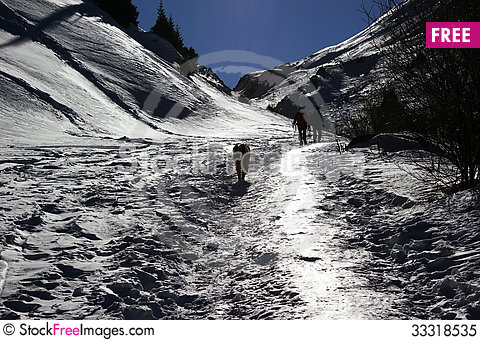 Free Footpath In Mountains Royalty Free Stock Photo - 33318535