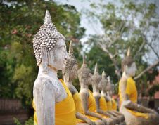 Free Buddha Statues At Wat Yai Chai Mongkol In Ayutthaya, Thailand Stock Photos - 33330883