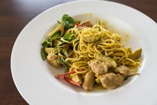 Free Spaghetti Keaw Whan, Thai Style Green Curry Royalty Free Stock Images - 33342539