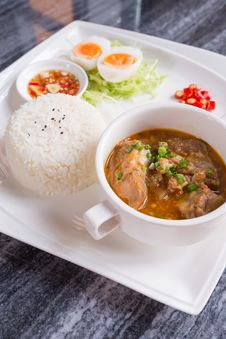 Free Dish Set Of Steamed Rice And Thai Traditional Spicy Soup Royalty Free Stock Photos - 33342748