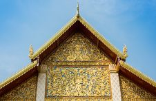 Free The Roof Gable Of Thai Temple Stock Photos - 33360783