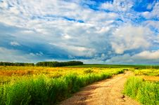 Free The Path Of Field Stock Photography - 33364282